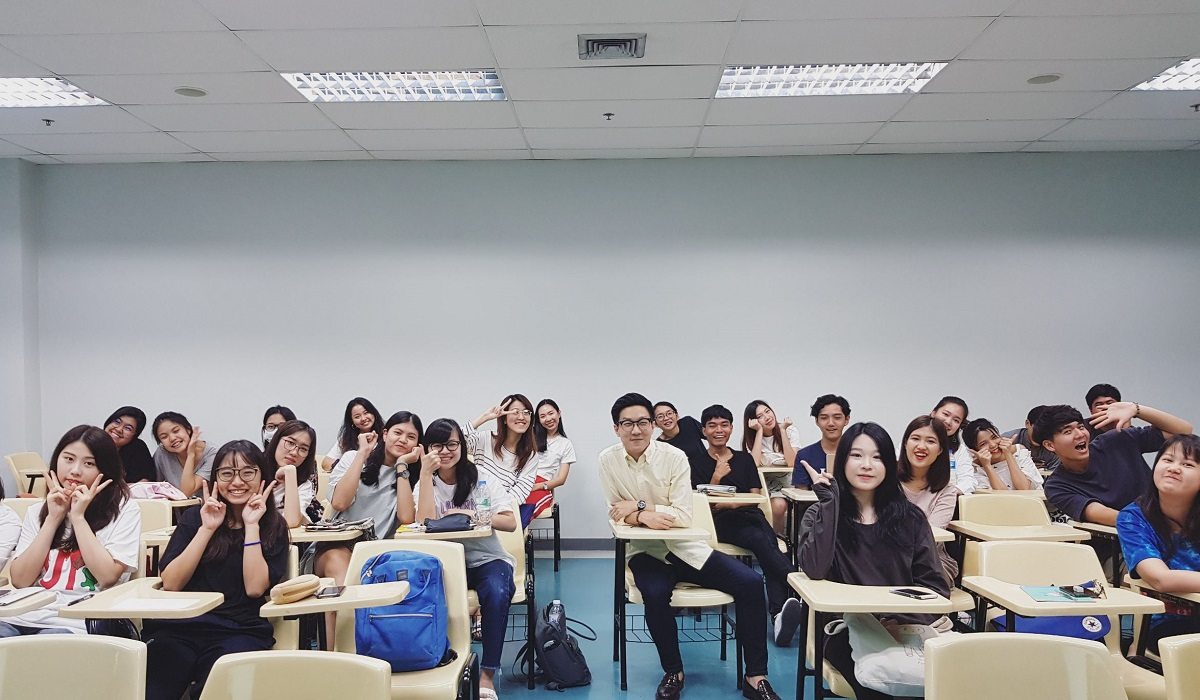 Guest Lecturer & Judge at Thammasat University